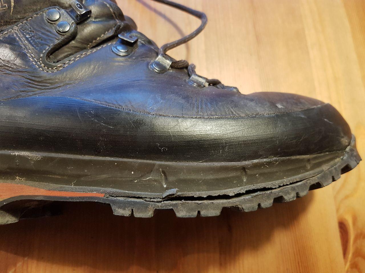 2fbfbfa44529f1 Wanderschuhe – Sohle kaputt – Neue Schuhe kaufen oder reparieren ...