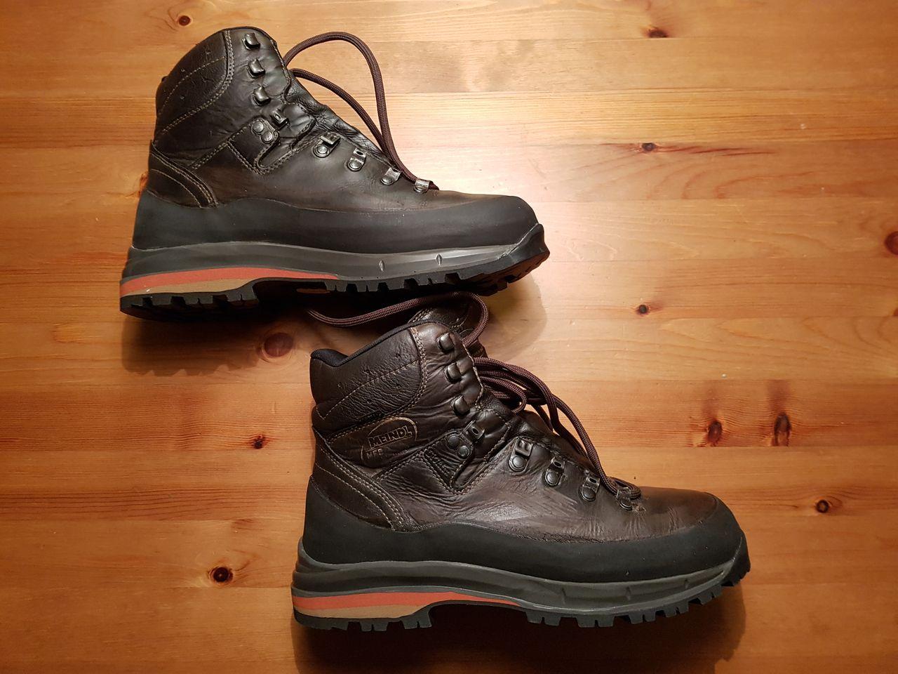 Wanderschuhe – Sohle kaputt – Neue Schuhe kaufen oder